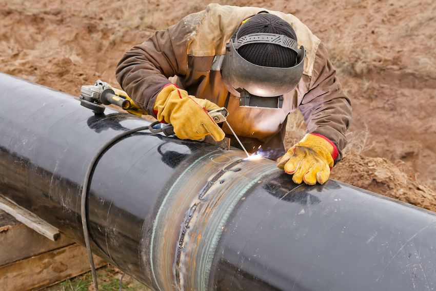 6 Safety Stand Down Topics for Pipeline Construction Workers