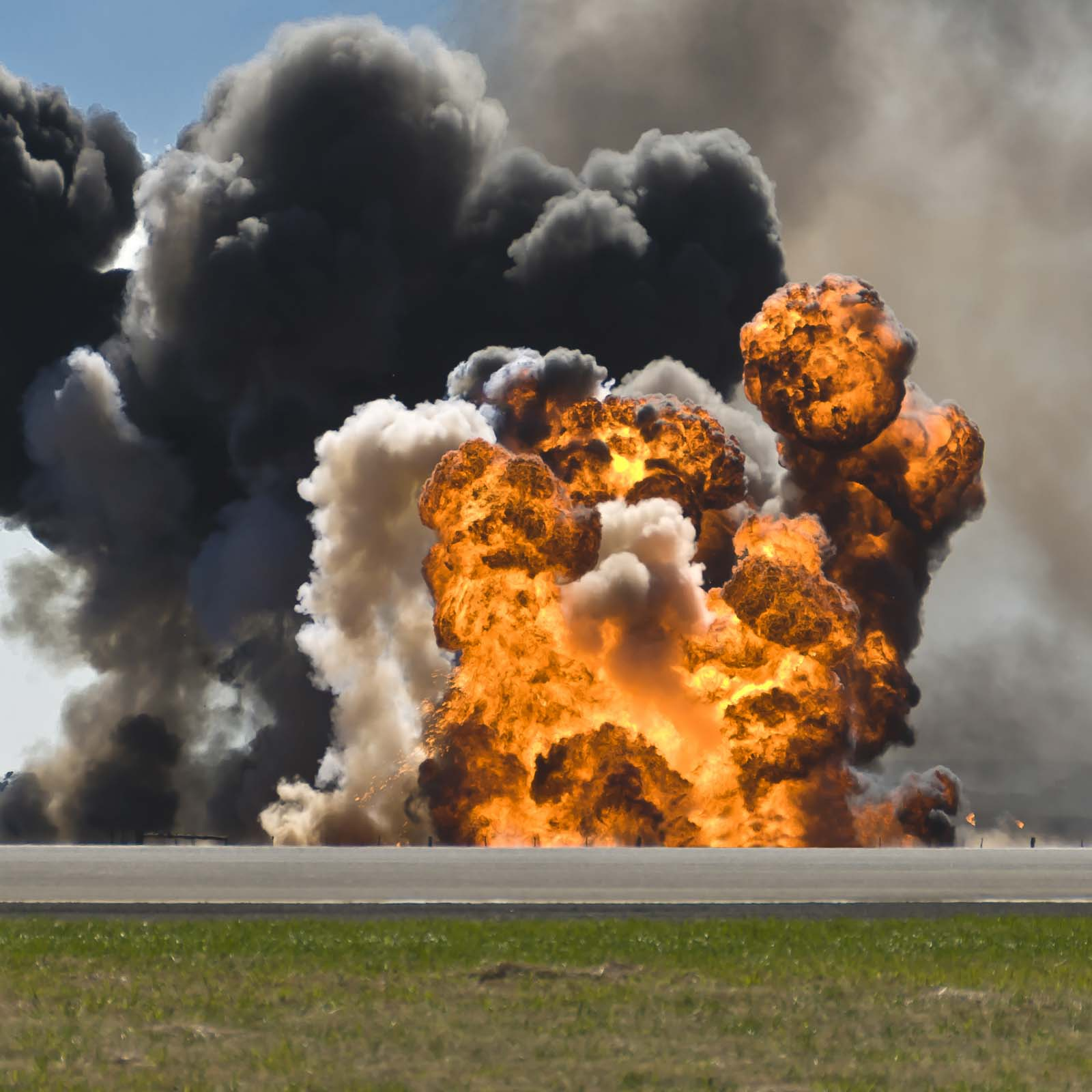 explosion-site-side-of-road