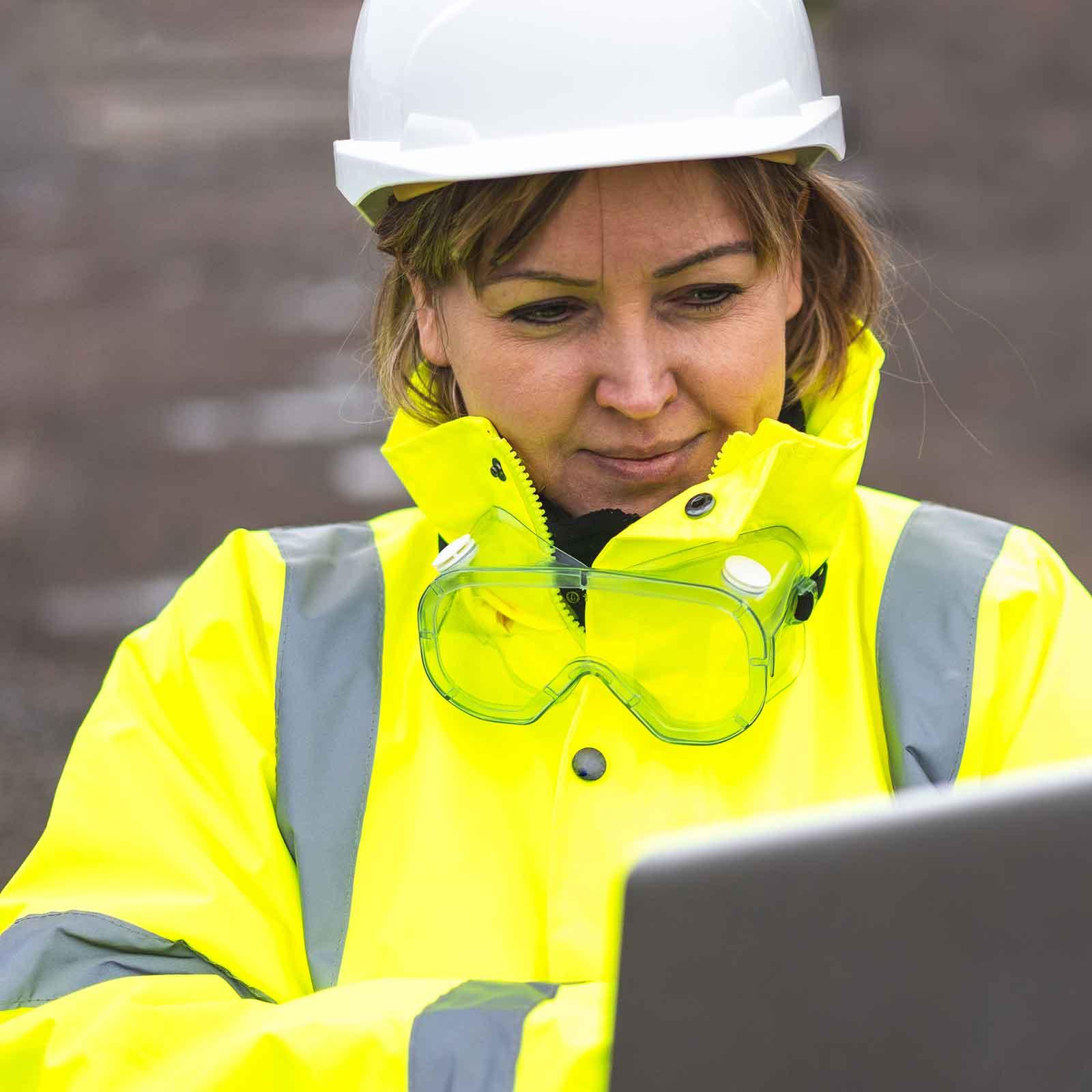 woman-civil-engineer-on-laptop